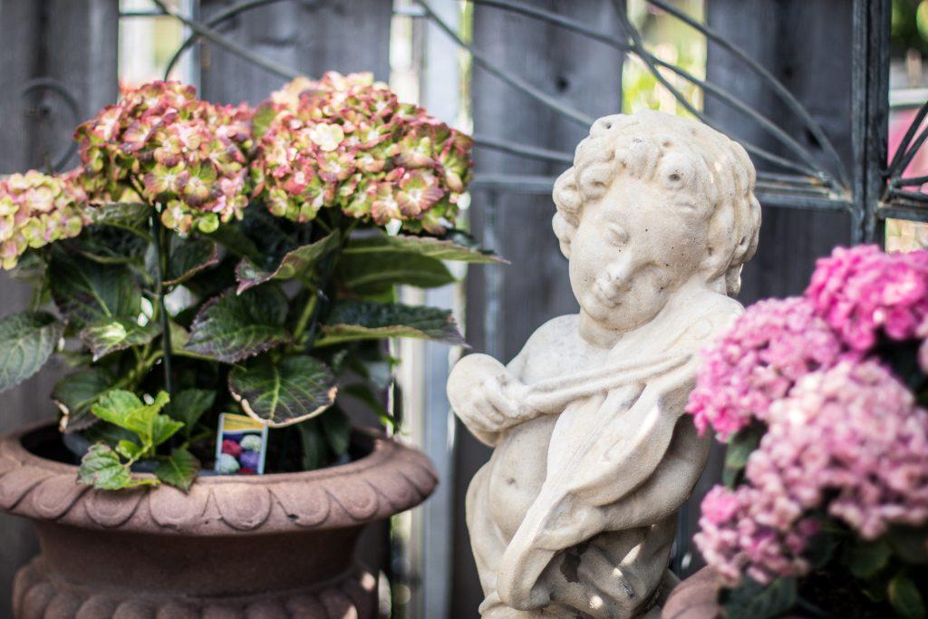 hortensia trädgårdstaty