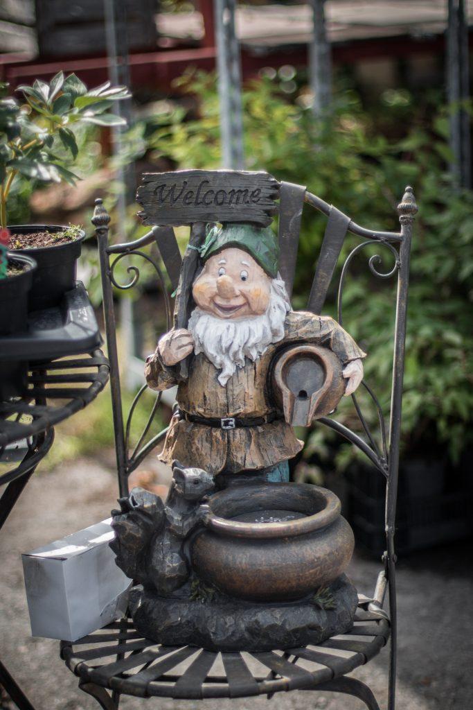 trädgårdstomte trädgårdsdekoration