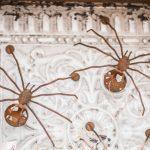 spindeldekoration trädgård