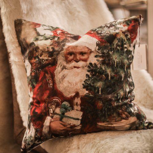 julkudde med tomte på