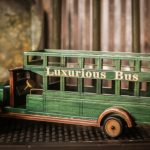 gammal grön leksaksbuss